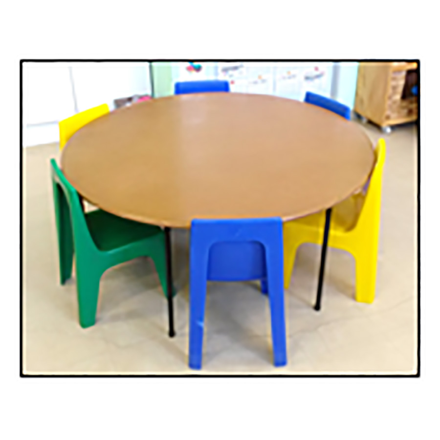 Round Table with Jolly Chair